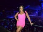 Mulher Melancia usa look curto e decotado em noitada no Rio