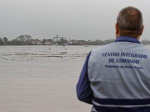 Autoridades monitoram elevação do nível do Guaíba (Foto: Prefeitura de Porto Alegre/Divulgação)