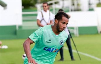 À vontade na lateral, Patrick vê Goiás cada vez mais confiante na temporada
