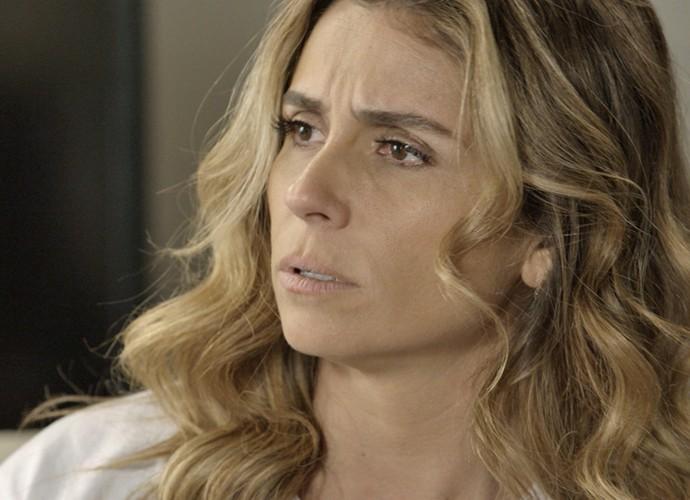 Atena diz para Tóia confiar em Romero (Foto: TV Globo)