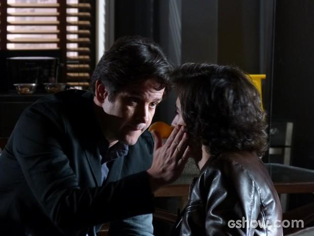 Jonas diz para Alex ficar longe de sua família (Foto: Geração Brasil / TV Globo)