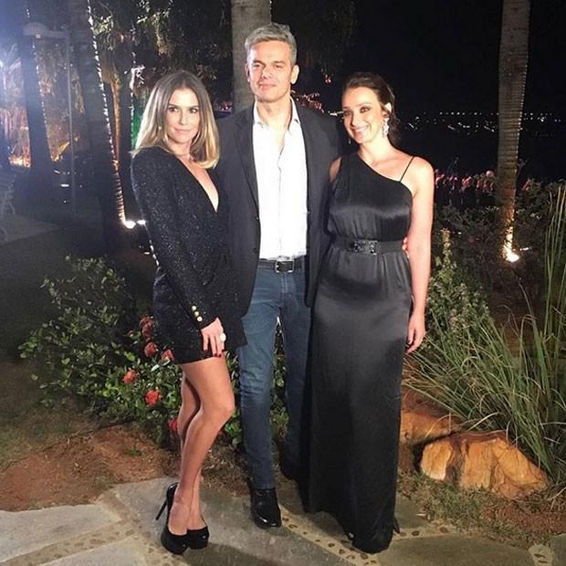 Deborah Secco, Otaviano Costa e Sabrina Parlatore em evento em Brasília (Foto: Instagram/ Reprodução)