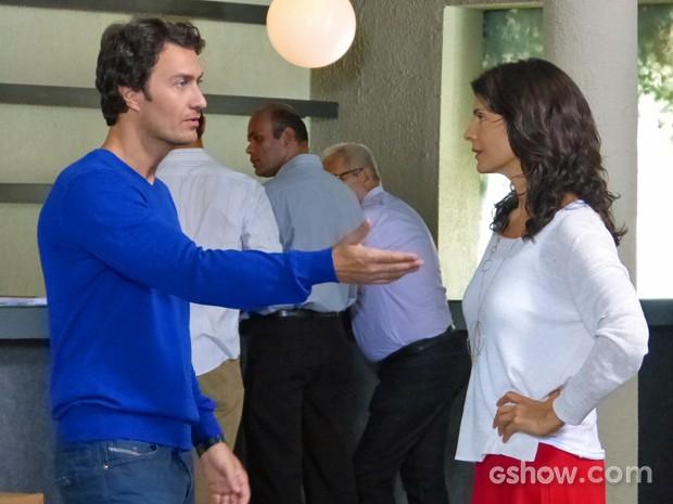 Verônica reclamara com Laerte sobre Shirley (Foto: Em Família/ TV Globo)