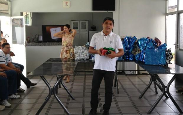 Dia dos Pais é comemorado entre funcionários da Rede Amazônica (Foto: Celso Kato/Rede Amazônica)
