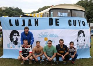Argentinos montam acampamento em Porto Alegre (Foto: Diego Guichard/GloboEsporte.com)