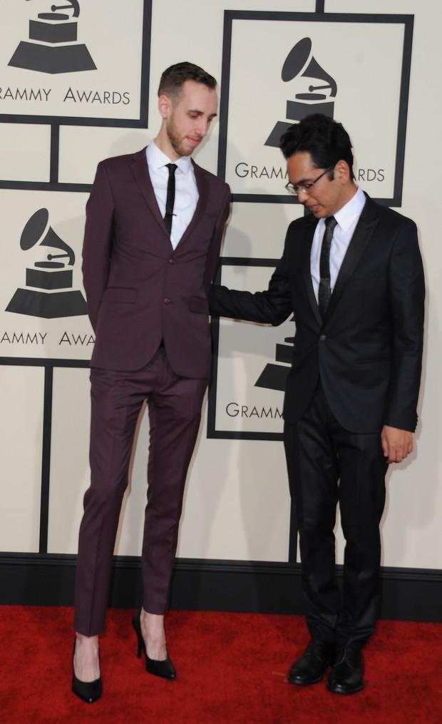 90a4f984ee EGO - Diretor de videoclipe do Arcade Fire usa salto alto no Grammy ...
