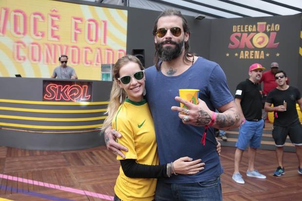 Henri Castelli e a namorada, Maria Fernanda Saad (Foto: Felipe Panfili/Divulgação)
