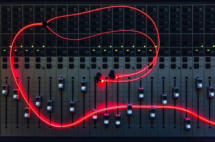 headphone neon (Foto: Foto: Divulgação/Kickstarter)