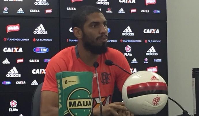 Wallace entrevista Flamengo (Foto: Gustavo Rotstein)
