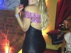 Geisy Arruda curte noite carioca com decote