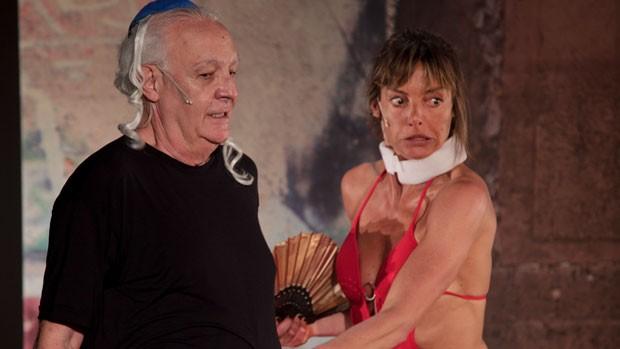 Latorraca sugeriu que o elenco fosse composto por uma mulher e Gerald Thomas convidou a portuguesa Maria de Lima (Foto: Divulgação)