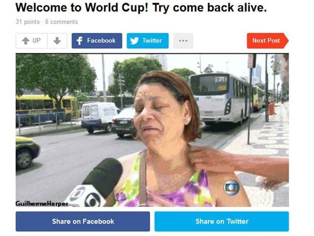 """Site americano ironiza cena. """"Copa do Mundo no Brasil: tente voltar vivo"""" (Foto: Reprodução / site 9gag.com)"""