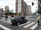 Comissários resgatam crianças que pediam esmola no trânsito em Belém