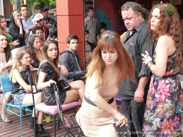 Humilhada, Morgana sai correndo do Misturama! Que bad, hein! (Foto: Malhação / Tv Globo)