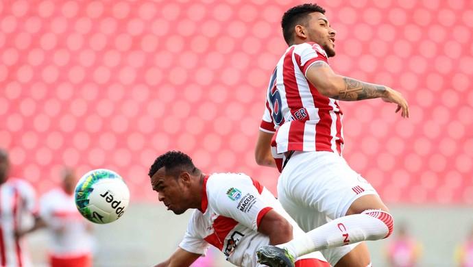 Náutico x CRB (Foto: Marlon Costa / Pernambuco Press)