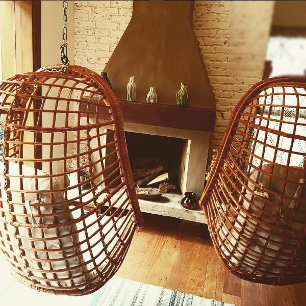 Cadeira de balanço é coisa de avó? Não na casa da Rafa Brites! (Foto: Reprodução/Instagram)