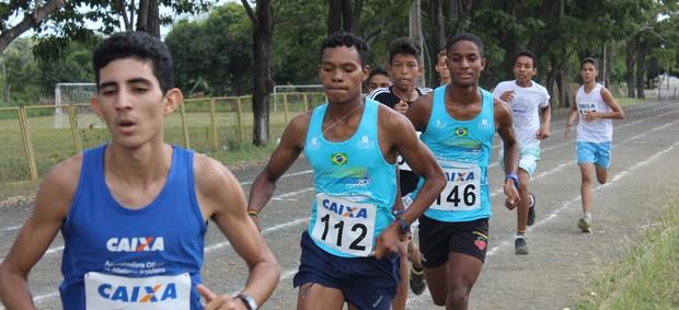 Piauiense de Atletismo Juvenil (Foto: Emanuele Madeira/GLOBOESPORTE.COM)