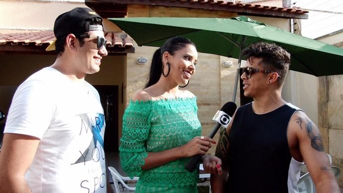 Niara Meireles confere o talento de Kinho Chefão e Jobson Mascarenhas, líderes da 'É o Chefe'. (Foto: Se Liga VM)
