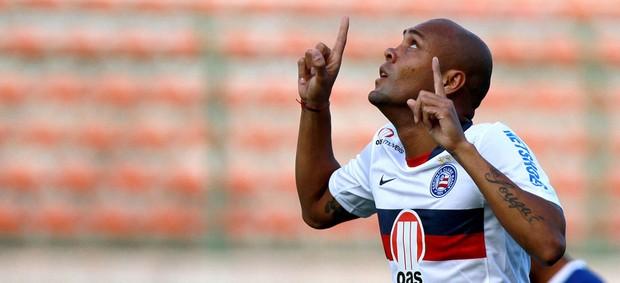 Souza gol Bahia (Foto: Felipe Oliveira / Ag. Estado)