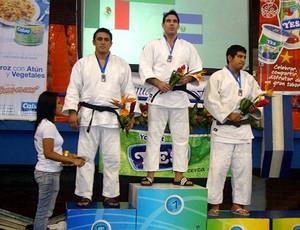 Matheus Theotônio medalha de ouro judô El Salvador (Foto: Divulgação / CBJ)