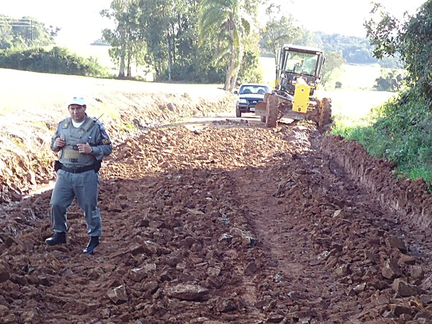 Máquina atropelou vice-prefeito em estrada em obras no RS (Foto: Divulgação/Polícia Civil)