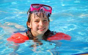 Segurança no verão: dicas para cuidar das crianças em praias e piscinas