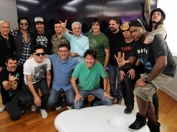 Artistas confirmados na edi&#231;&#227;o de 2013 do Rock in Rio posam para foto em evento do festival (Foto: Alexandre Dur&#227;o/G1)