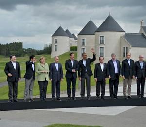 Autoridades europeias e líderes dos países que formam o G8 durante reunião da cúpula em Enniskillen, na Irlanda do Norte (Foto: AP Photo/RIA-Novosti, Alexei Nikolsky, Presidential Press Service)