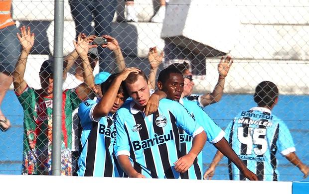 Grêmio comemora gol sobre o Esportivo (Foto: Lucas Uebel / Site Oficial do Grêmio)