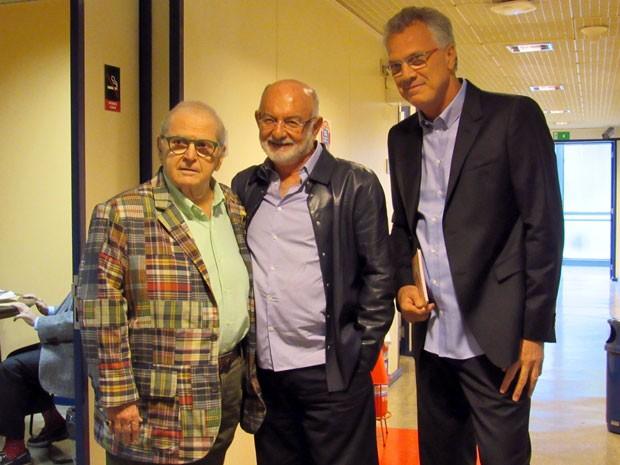 Pedro Bial posa ao lado dos convidados do programa, Jô Soares e Sílvio de Abreu (Foto: Paula Paiva / Gshow)