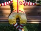 Estátua de Ronald McDonald tem cabeça decepada por vândalos