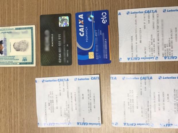 Homem suspeito de fraudar exame de HIV em João Pessoa estava com documentos falsos (Foto: Delegado Lucas Sá)