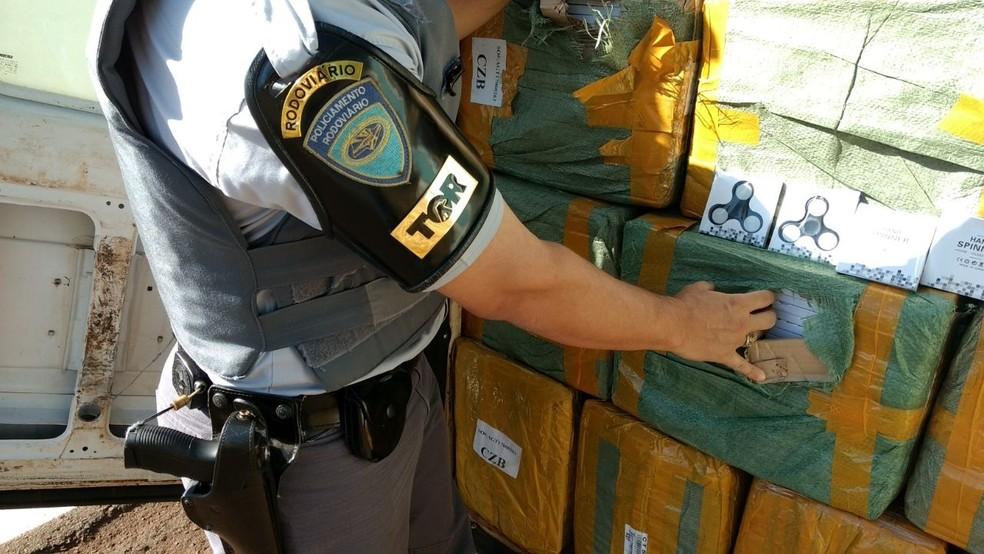 Spinners foram apreendidos em Iepê (Foto: Polícia Militar/Cedida)