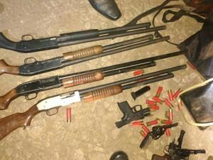 assalto banco União da Serra criminosos suspeitos assaltantes armas apreendidas (Foto: Divulgação/Brigada Militar)
