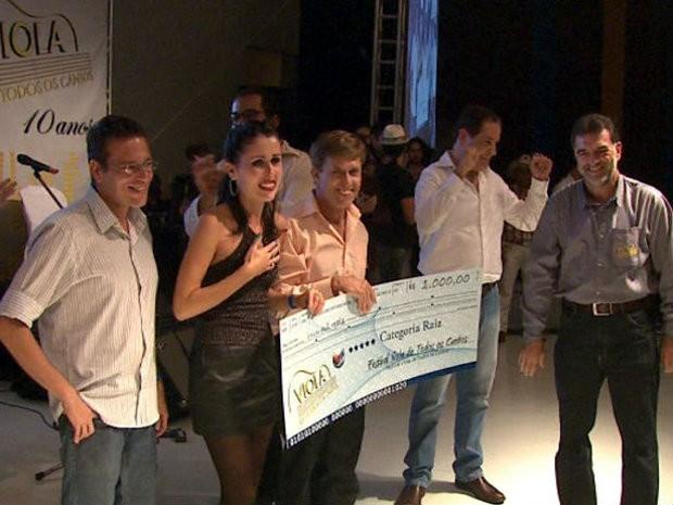 Grupo Violeiros Matutos, vencedor na categoria Raiz do Viola de Todos os Cantos (Foto: Reprodução/EPTV)