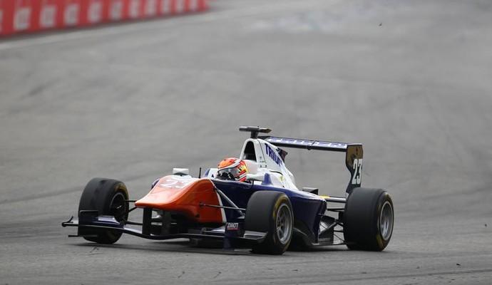 Victor Carbone ficou em 23º e 20º lugares da rodada dupla da GP3 (Foto: Divulgação  )