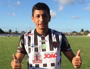 Wanderley, atacante, Botafogo-PB, apresentação  (Foto: Lucas Barros / GloboEsporte.com/pb)