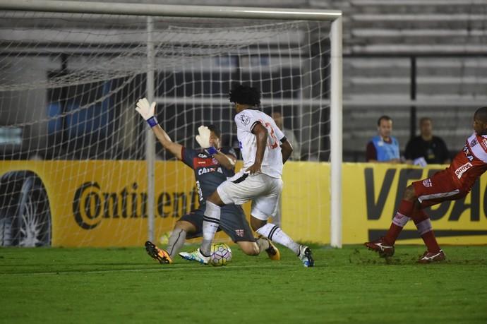Vasco encerra negocia��es com Vaz, e abre caminho para o Flamengo