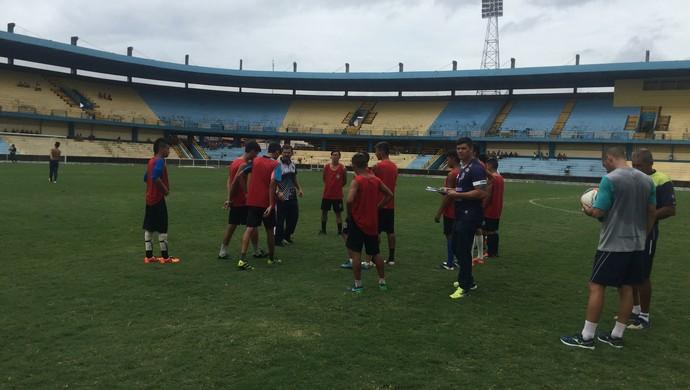 Jogadores pré-selecionados fizeram avaliação sobre o comando do técnico Walter Lima (Foto: Dominique Cavaleiro/GloboEsporte.com)