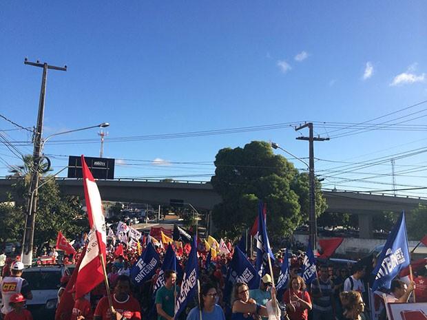 Centrais sindicais protestaram contra medidas aprovadas no Congresso (Foto: Felipe Gibson/G1)