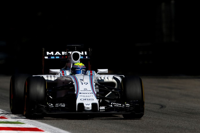 Felipe Massa acelera a Williams na pista de Monza, durante o GP da Itália (Foto: Getty Images)
