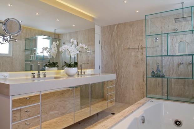 O estilo tradicional é ótimo para um banheiro (Foto: Camila Klein)