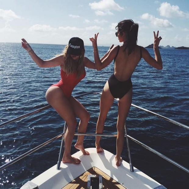 Khloe Kardashian e Kendall Jenner (Foto: Instagram / Reprodução)