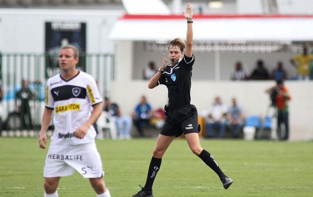 Marcelo Mattos, árbitro, Madureira x Botafogo (Foto: Luciano Belford/Agência Estado)