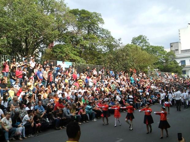Seis mil pessoas participaram do Desfile de Sete de Setembro em Limeira  (Foto: Wesley Justino/ EPTV)