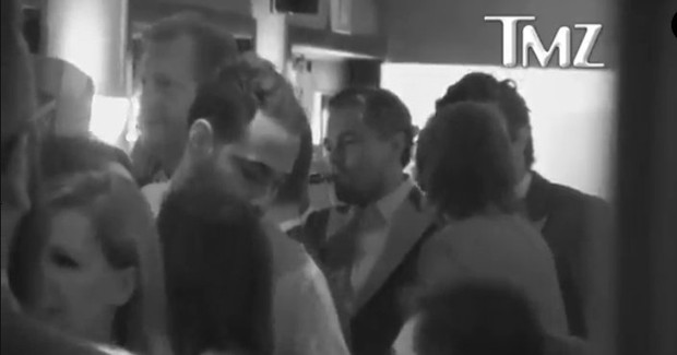 Leonardo DiCaprio em comemoração após premiação do Oscar (Foto: Reprodução/Vídeo)