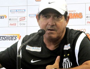 Muricy Ramalho na entrevista do Santos (Foto: Marcelo Hazan / Globoesporte.com)