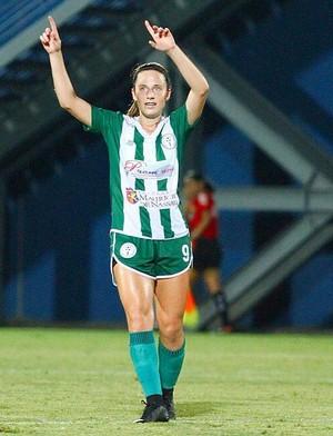 Preconceito e lágrimas  a caminhada do futebol feminino contada por elas 6cbf1573ae57d