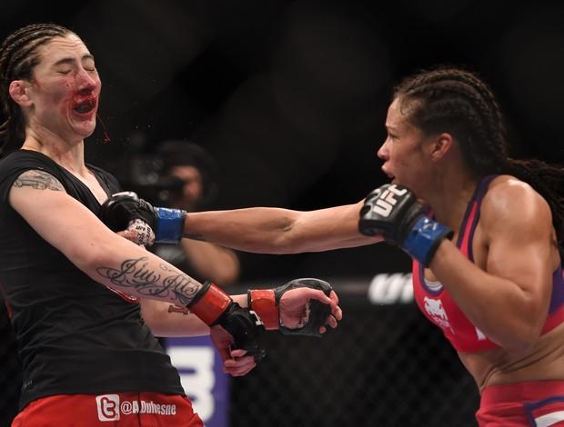 Alexis Dufresne x  Marion Reneau - UFC 182 (Foto: GettyImages)