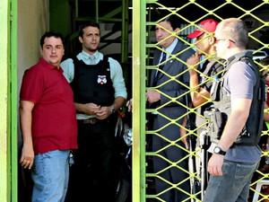 Empresário Thales Prudêncio, dono de uma concessionária suspeita de lavagem de dinheiro, foi preso durante Operação Apocalipse (Foto: Halex Frederic/G1)